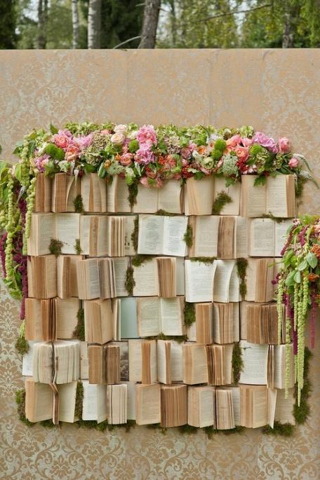 photocall boda libros flores