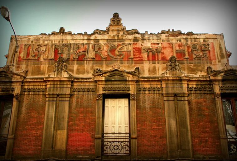 800px-Edificio_Lamarca_Hermanos_(Madrid)_01