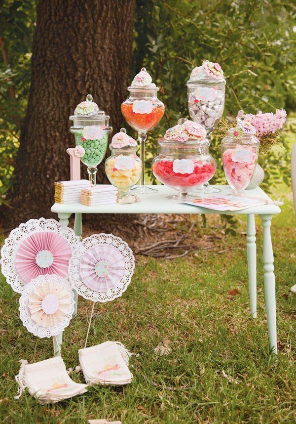 Candy Bar en un jardín. Imagen del blog hwtm.com
