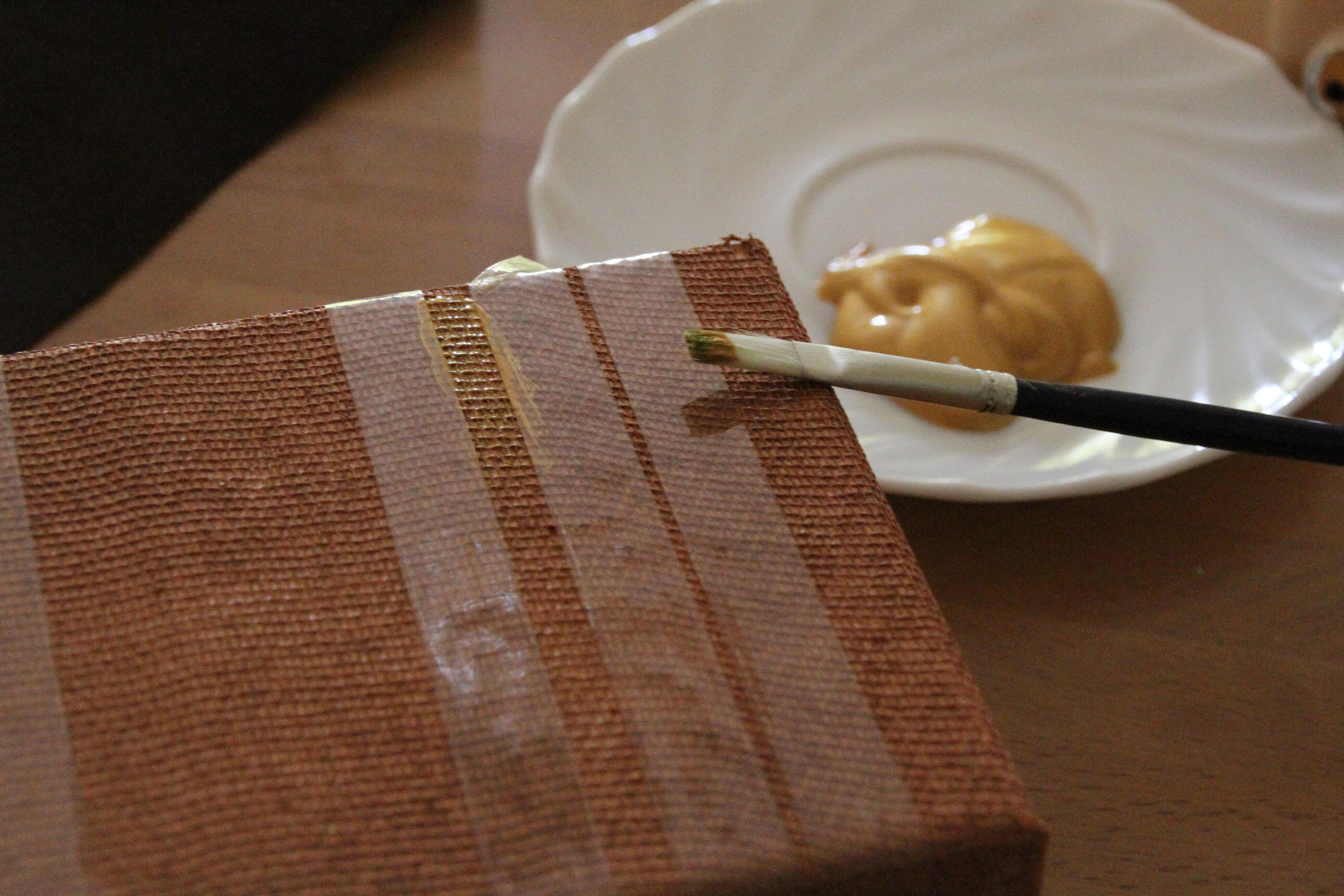 Diy transforma cajitas de madera en maletas estilo vintage - Hacer caja de madera ...