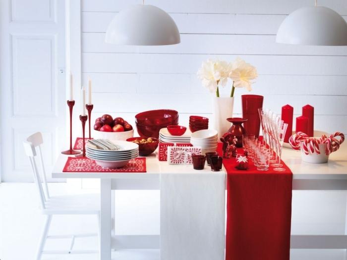 mesa roja navideña